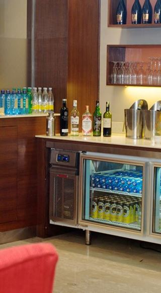 Complimentary drinks at the Aspire Airport Lounge in Jomo Kenyatta International Airport