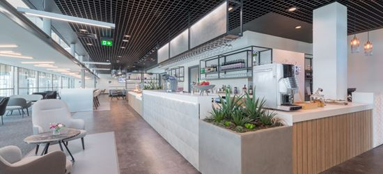 Cork Aspire Lounge reception and bar