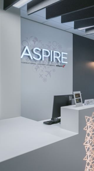 Aspire Front Desk at Birmingham Aspire Lounge South